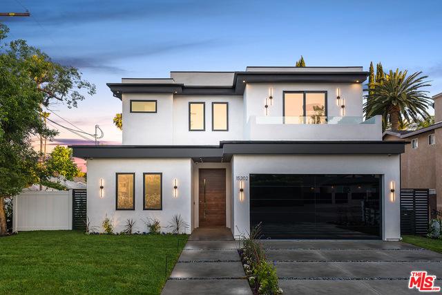 15202 HARTSOOK Street, Sherman Oaks, CA 91403