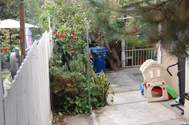 1169 Buelah Av, City Terrace, CA 90063 Photo 21