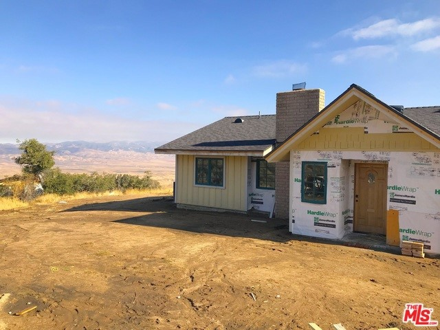 47383 RIDGE ROUTE Road, Lake Hughes, CA 93532