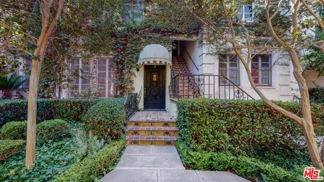 Il Borghese was built in 1929 by architect Charles Gault. A rare lease opportunity in this 1929 courtyard gem. Absolutely gorgeous remodeled unit in Hancock Park's masterpiece, featured in David Lynch's film Mulholland Drive. This beautifully designed condo has been tastefully done to the 9's. The once in a lifetime chance features gorgeous high ceilings, wide plank hardwood floors, period lighting fixtures, Waterworks and Kohler fixtures, decorative ornate fireplace, Hi-end stainless steel appliances in the kitchen, amazing new subway brick & reimagined original style tile work in the bathroom, arched doorways. One of LA's most prestigious and incredible architectural buildings. Of course there is the comfort of central air & heat. Located near shops, restaurants, yoga & minutes to everything you'd need. There is even a rooftop deck with a barbecue area & chairs to lounge, relax or entertain & have a drink or take in incredible panoramic views of the LA skyline. Don't miss this one