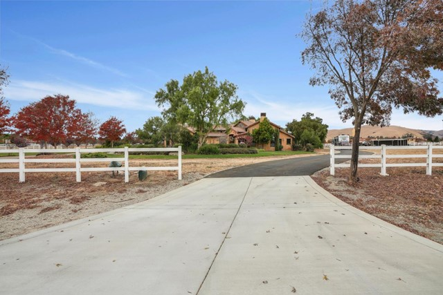 1148 Stony Brook Drive, Hollister, CA 95023