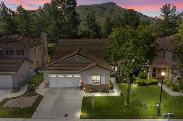 3013 Sprucewood Ln, Escondido, CA 92027