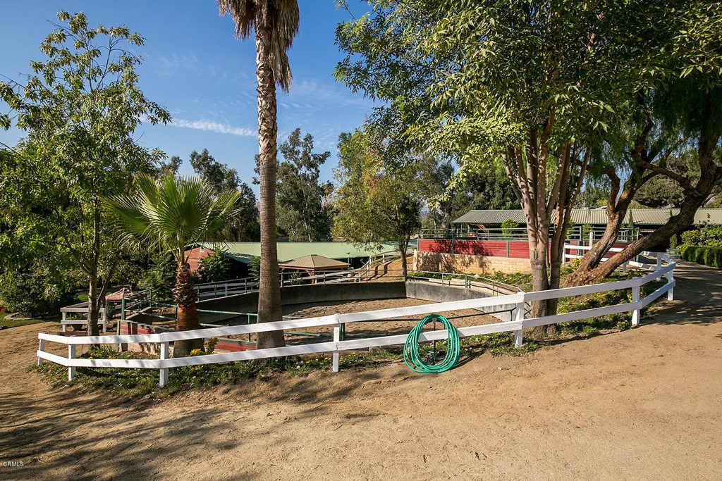 Photo of 10937 Foothill Boulevard, Sylmar, CA 91342