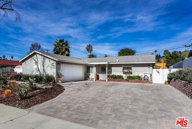 20801 BURBANK, Woodland Hills, CA 91367