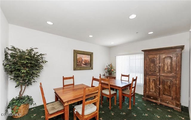48. 461 Country Club Drive #111 Simi Valley, CA 93065