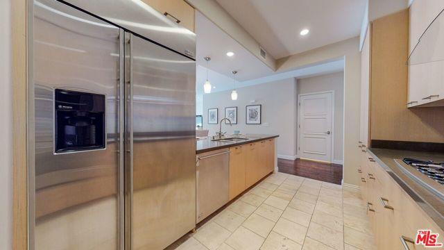 568 Caruso Avenue, Glendale, California 91210, 2 Bedrooms Bedrooms, ,2 BathroomsBathrooms,Condominium,For Sale,Caruso,20660860