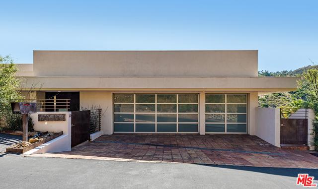 2. 21070 Las Flores Mesa Drive Malibu, CA 90265