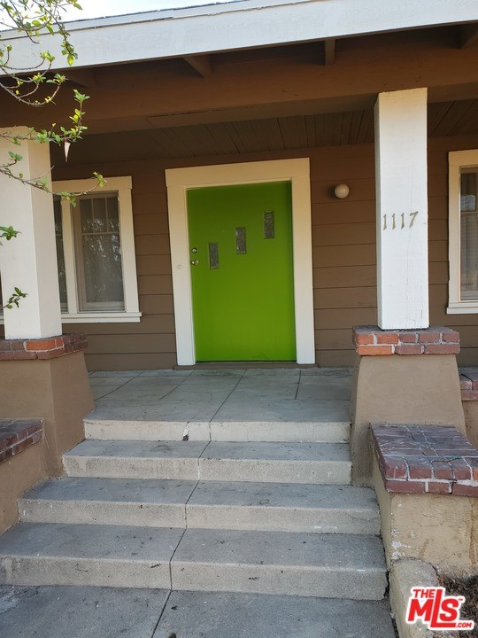 1117 N Waterloo, Silver Lake, CA 90026 Photo 1