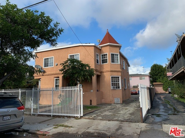1647 W 12TH Place, Los Angeles, CA 90015