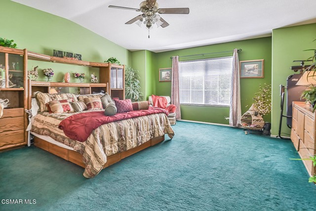 47. 215 Southcrest Place Simi Valley, CA 93065