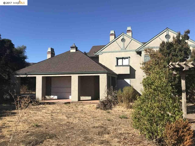1100 Russelmann Park Rd, Clayton, CA 94517