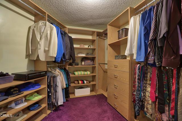 46Master Bedroom Closet