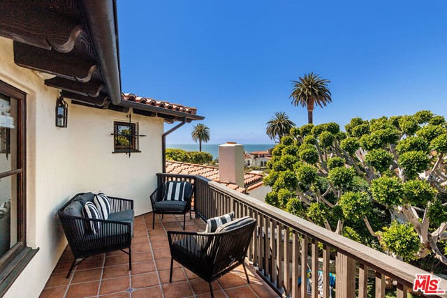 38. 453 Via Media Palos Verdes Estates, CA 90274