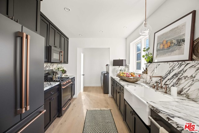 Image 11 of 6438 Drexel Ave, Los Angeles, CA 90048