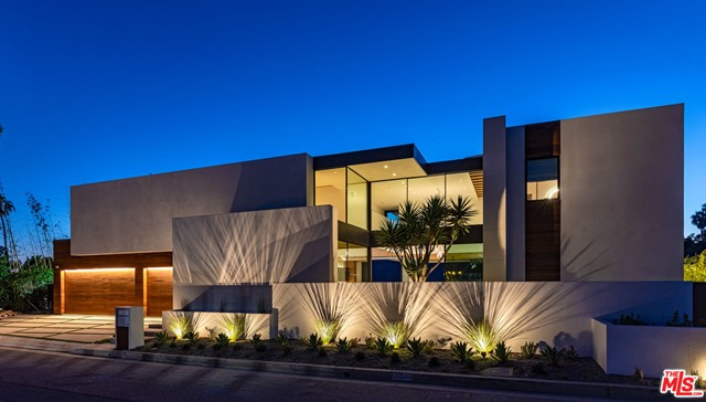 971 Linda Flora Drive, Los Angeles, CA 90049
