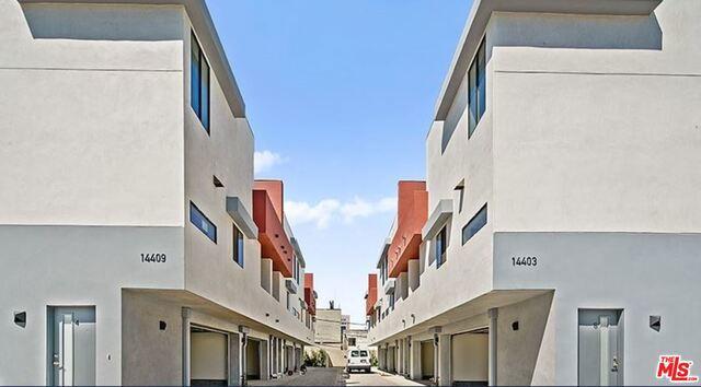 14403 TIARA Street, Van Nuys, CA 91401