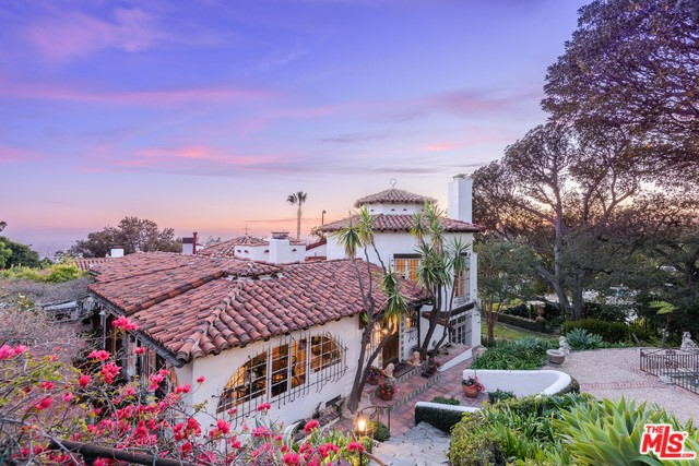 1500 SEABRIGHT Place, Beverly Hills, CA 90210