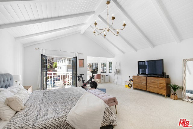 Master Bedroom - Front Facing