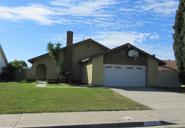 10711 Valor Pl, Santee, CA 92071