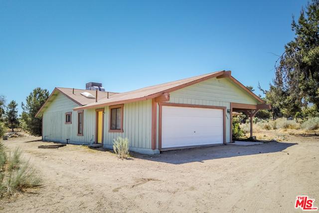 10175 Sierra Vista Rd, Phelan, CA 92371 Photo