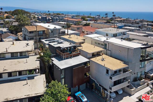 472 ROSECRANS Avenue, Manhattan Beach, California 90266, 2 Bedrooms Bedrooms, ,2 BathroomsBathrooms,For Rent,ROSECRANS,19498560