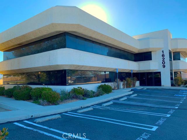 16209 Kamana Road, Apple Valley, CA 92307