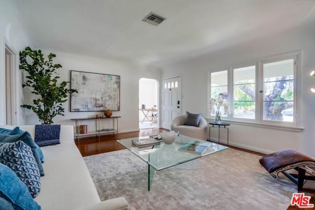 6. 1724 S Carmelina Avenue Los Angeles, CA 90025