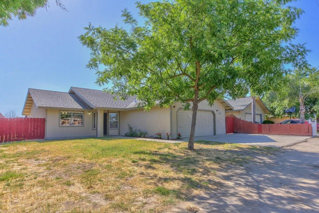 697 Kimball Lane, Hanford, CA 93230