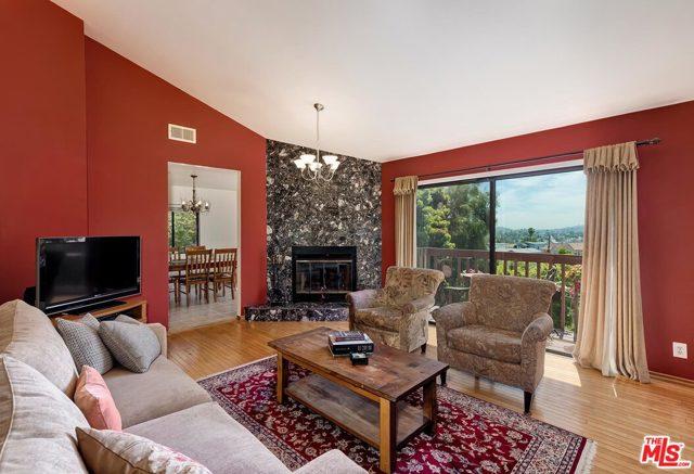 4. 2750 Medlow Avenue Los Angeles, CA 90065