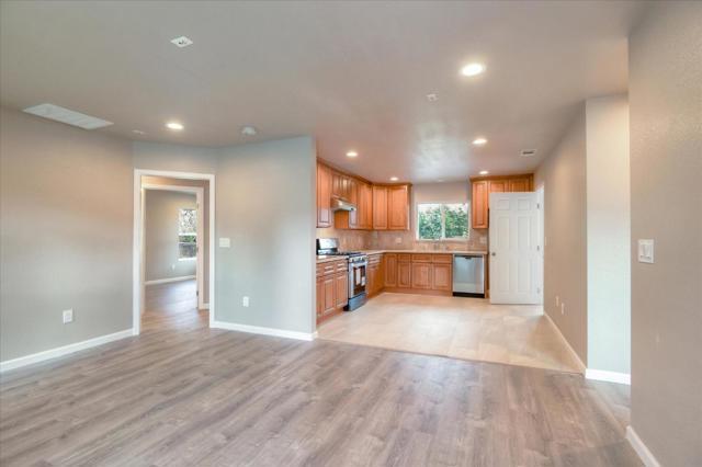 1044 Bradley Way, East Palo Alto, CA 94303