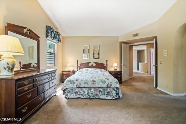 12. 5405 Evanwood Avenue Oak Park, CA 91377