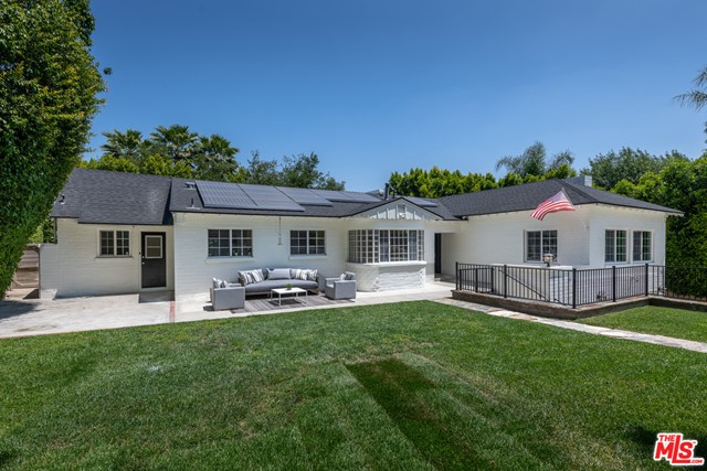 5. 16633 Oak View Drive Encino, CA 91436