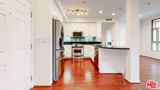 13044 Pacific Promenade, Playa Vista, CA 90094 Photo 17