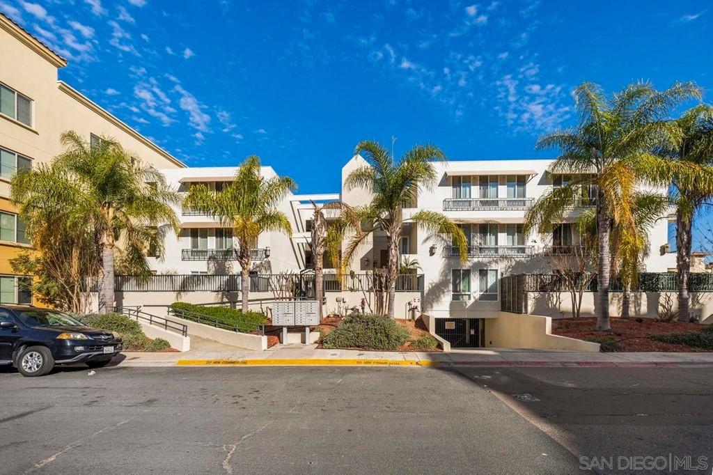 5540     Lindo Paseo, San Diego CA 92115