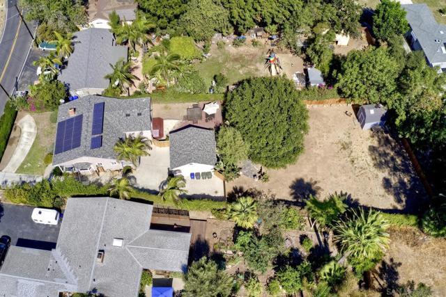 950 Eucalyptus Ave, Vista CA: https://media.crmls.org/mediaz/9dbdfee9-2879-418b-b415-874450cbd705.jpg