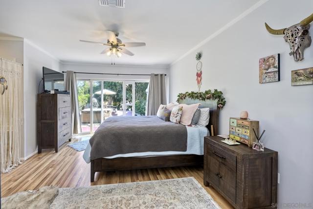 950 Eucalyptus Ave, Vista CA: https://media.crmls.org/mediaz/9f50168e-c5e4-491f-8bb3-fec886f634ea.jpg