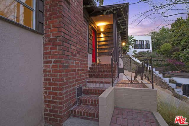 44. 4317 Zaca Place Los Angeles, CA 90065