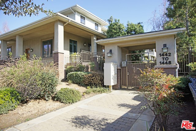 1448 Fair Oaks Avenue, Pasadena, California 91103, 2 Bedrooms Bedrooms, ,2 BathroomsBathrooms,Residential,For Rent,Fair Oaks,21675684