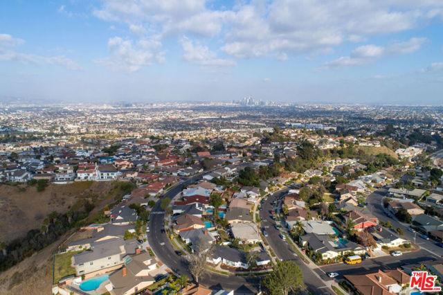 Image 29 of 4580 Don Felipe Dr, Los Angeles, CA 90008