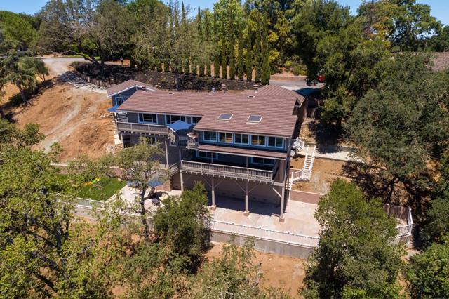 11824 Hilltop Drive, Los Altos Hills, CA 94024