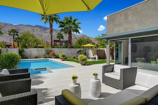 471 Dion Drive, Palm Springs, CA 92262