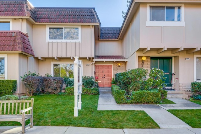22633 Queens Oak Court, Cupertino, CA 95014