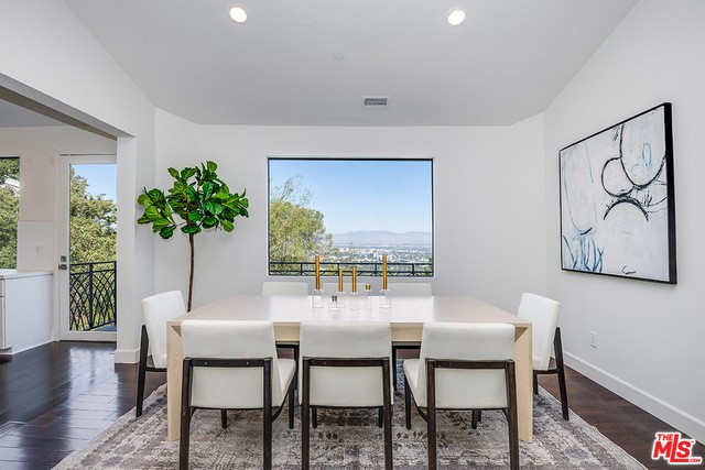 3535 MULTIVIEW Drive, Los Angeles, CA 90068
