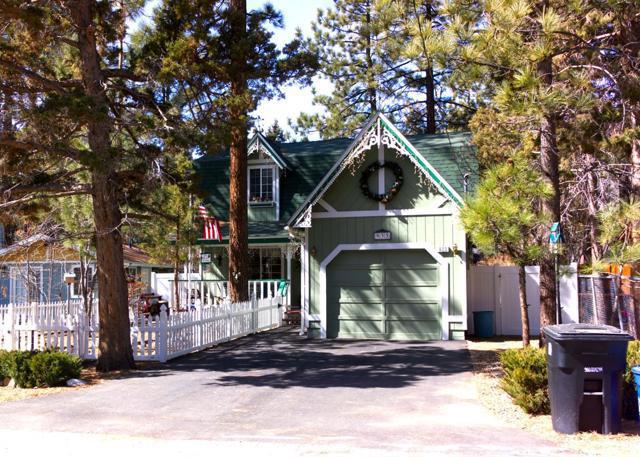 933 Peter Avenue, Big Bear, California 92314, 4 Bedrooms Bedrooms, ,2 BathroomsBathrooms,Single family residence,For Sale,Peter,532504