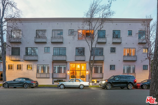 Photo of 9601 CHARLEVILLE Boulevard #4, Beverly Hills, CA 90212