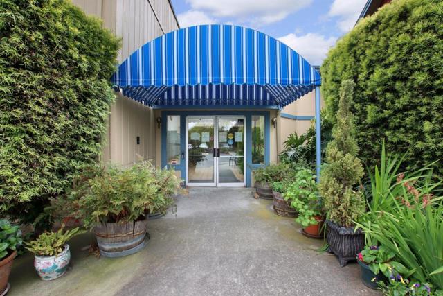 21. 101 Vista Prieta Court Santa Cruz, CA 95062