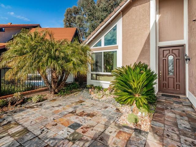 9710 Benavente Pl, San Diego, CA 92129