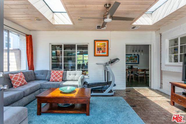 9. 3962 Coldwater Canyon Avenue Studio City, CA 91604