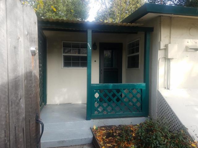 697 Menlo B, Menlo Park, CA 94025