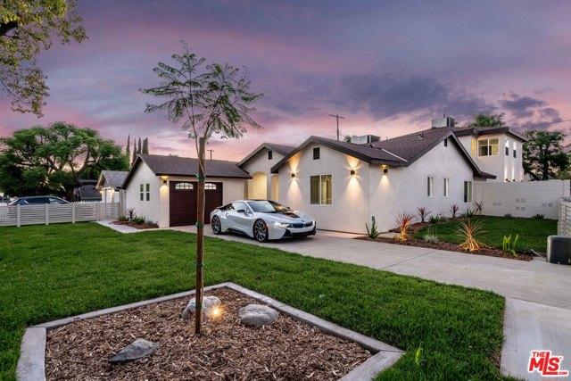 8. 17501 Arminta Street Northridge, CA 91325